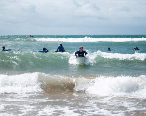Surfing on the coast of Devon in our language course plus sport