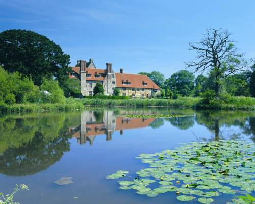 Excursion to an idyllic property in southern England